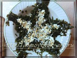 необычный салат с морской капустой