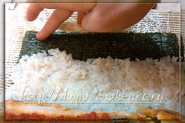 процесс приготовления маки-суши