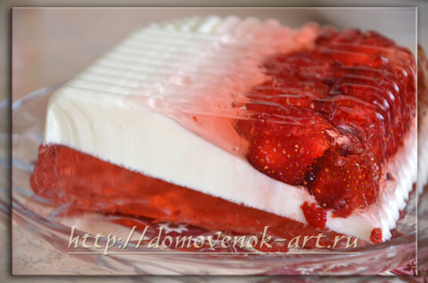Клубничный желейный торт Трио