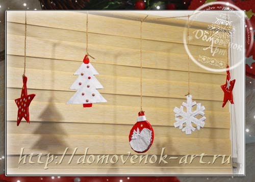 Новогодние украшения окна из фетра и гофрокартона