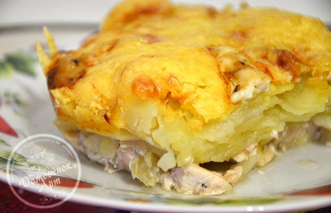Вкусная картошка под сыром в духовке