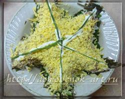салат с рыбой и морской капустой