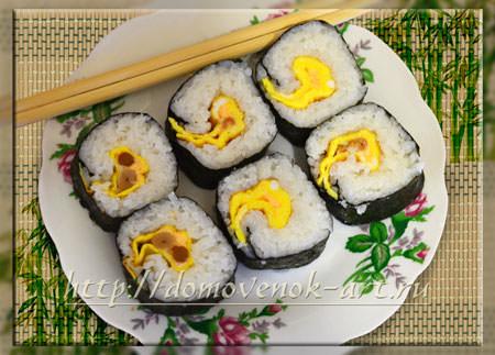 Рецепт суши с яйцом и грибами