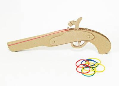 pistolet-rezinkostrel-iz-gofrokartona