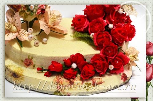 конефтный букет из роз на пеноплексе в виде торта