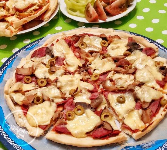 Простая пицца. Рецепт без дрожжей