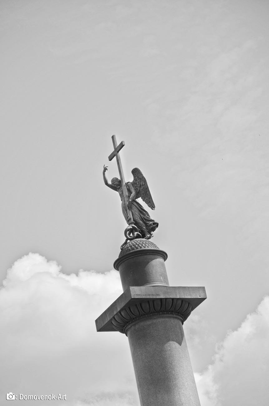 Александровская колонна. Ангел-Хранитель