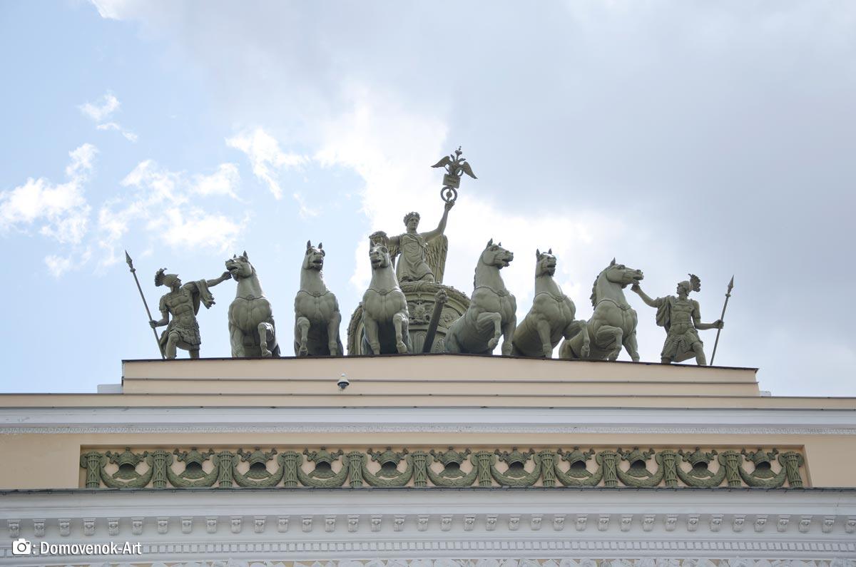 Конница на арке Главного штаба на Дворцовой площади