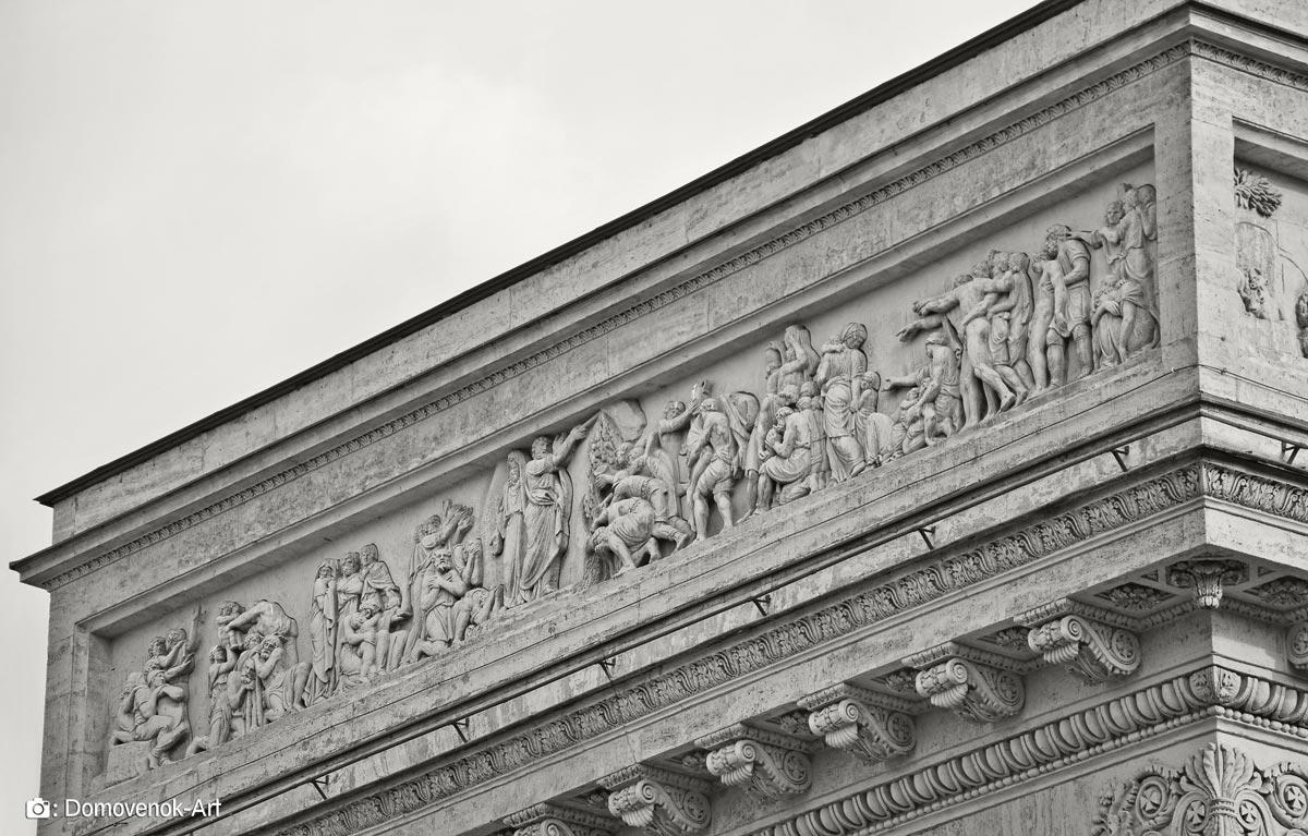 Наружные барельефы Казанского собора в Санкт-Петербурге