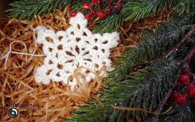 Красивая ажурная снежинка крючком
