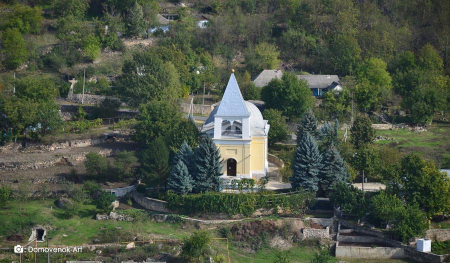 Церковь Архангела Михаила в Строенцах